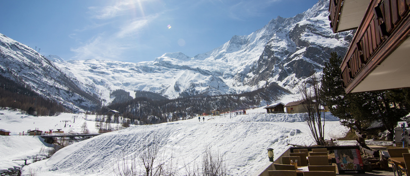 Switzerland_Saas-Fee_Hotel-Bristol_exterior_ski-in_ski-out2.jpg